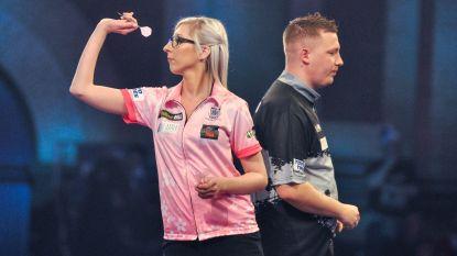 """Het sprookje is over, Dobey stuurt dartssensatie Sherrock naar huis: """"Vrouwen zagen nu wat mogelijk is"""""""