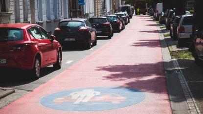 Volledig rode straat... een fietsstraat