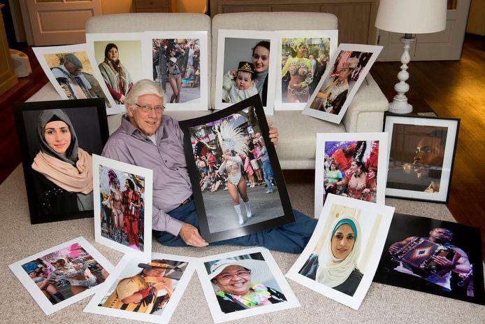 Fotograaf Ben de Kousemaeker met enkele van zijn werken.