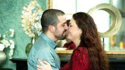 Zangeres Xandee stelt huwelijk uit