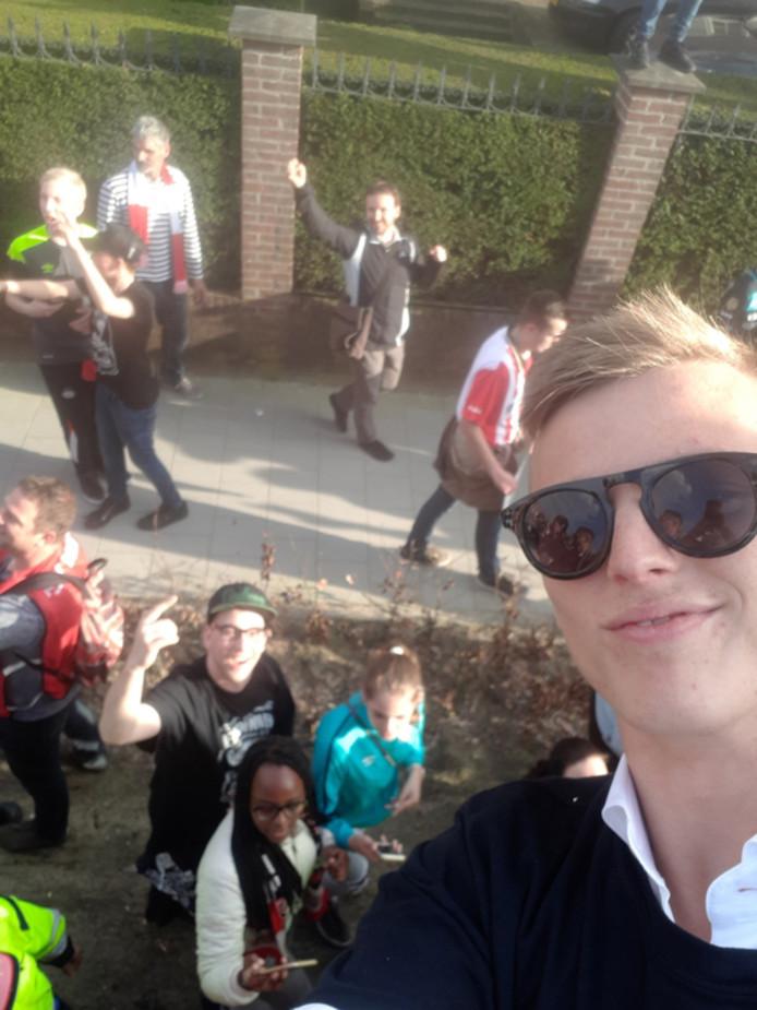 Rob Janssen stuurde een selfie met Albert Gudmundsson.