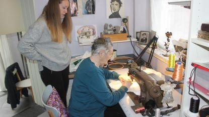 """Anita Meersman (73), 30 jaar borduurster voor carnavalsprinsen: """"Ze tekent met draad en textiel"""" (Video)"""