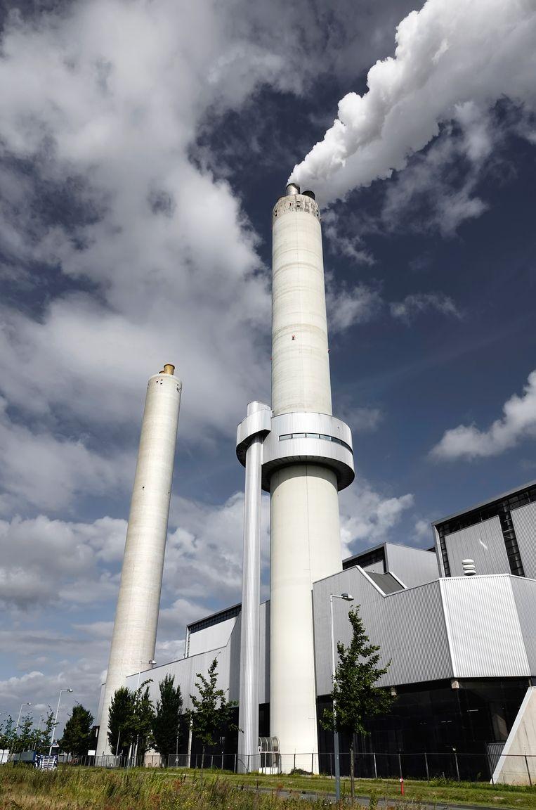 Het Afval Energie Bedrijf ( AEB ) in het Westelijk Havengebied.  Beeld Hollandse Hoogte / Berlinda van Dam