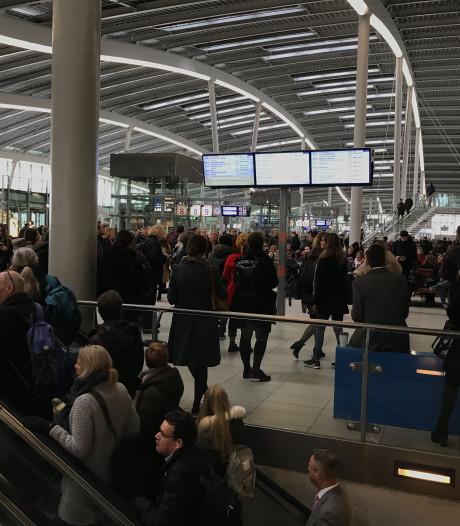 Grote drukte op Utrecht Centraal door problemen op spoor