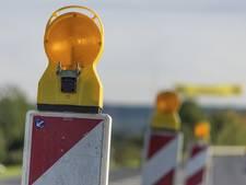 Borden wijzen de weg op N302