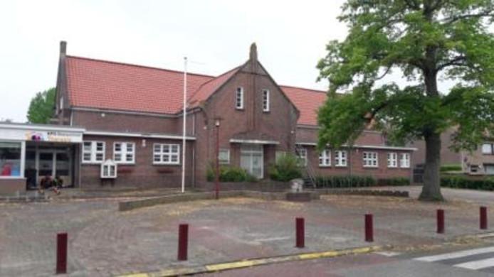 De voormalige Theresiaschool in Moerstraten krijgt een tweede leven als woongroep voor autistische jongeren.