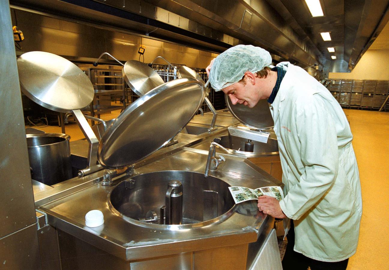 Bij de KLM Catering Services mogen de werknemers helemaal niets van de maaltijden nuttigen.