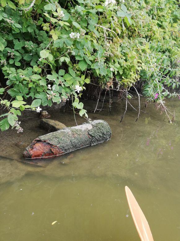 De obus kwam boven te liggen door het lage waterpeil in de IJzer