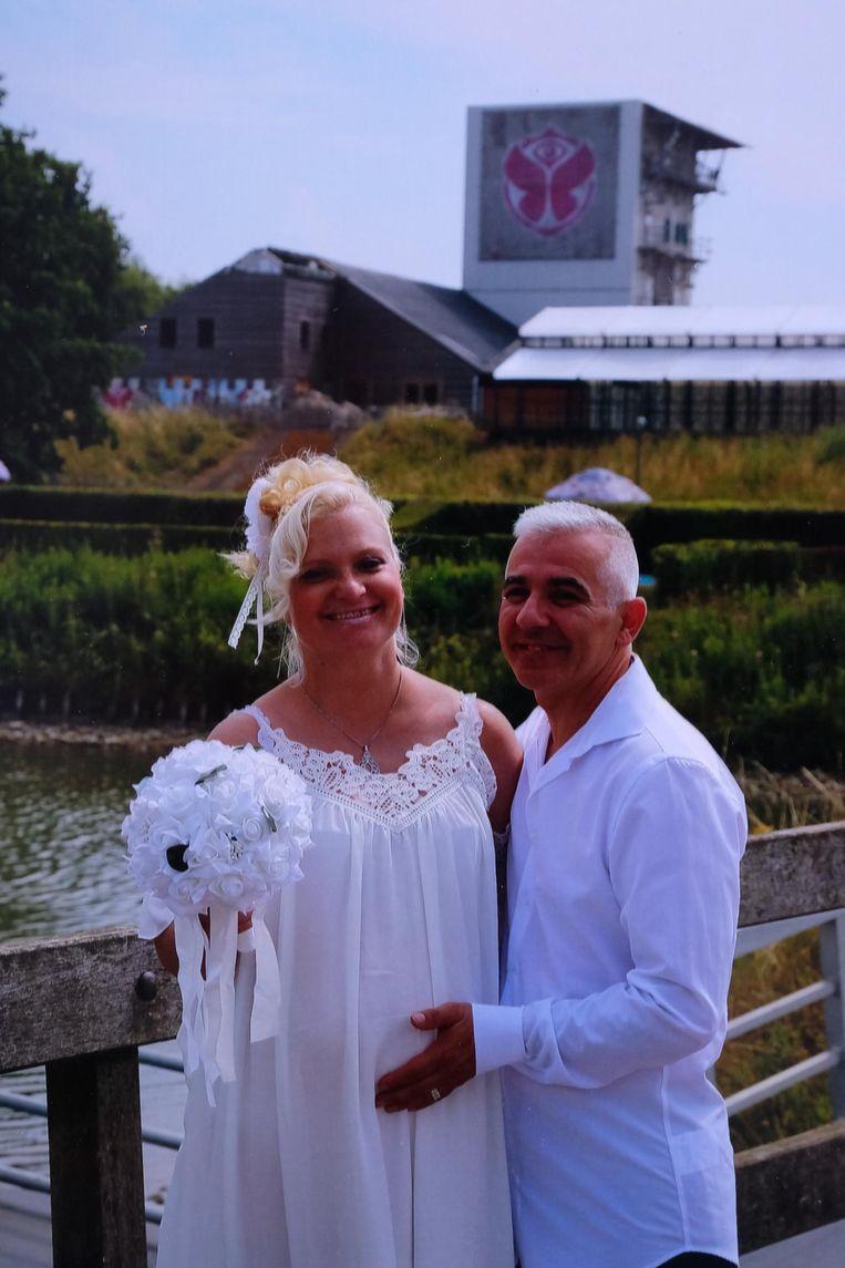 Patricia en haar man Filip op hun trouwdag.