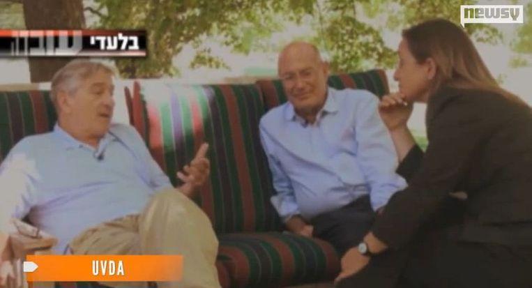 Milchan en De Niro tijdens het interview met het Israëlische programma Uvda. Beeld screenshot