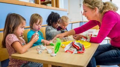 kinderen-blijven-weg-bij-peuteropvang-nu-ouders-inkomsten-moeten-opgeven