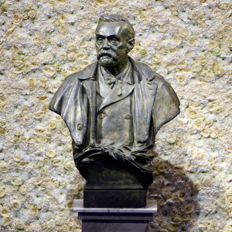 Een standbeeld van Alfred Nobel. Beeld EPA