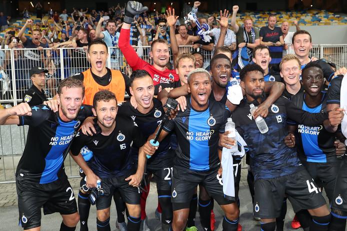 Après avoir souffert sur la pelouse du Dynamo Kiev (3-3), le Club de Bruges est parvenu à se qualifier pour les barrages de la Ligue des Champions. Au tour suivant, les Brugeois affronteront les Autrichiens de Linz.