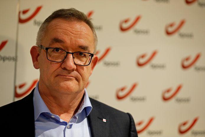 Jean-Paul Van Avermaet werd officieel voorgesteld tijdens een persconferentie.