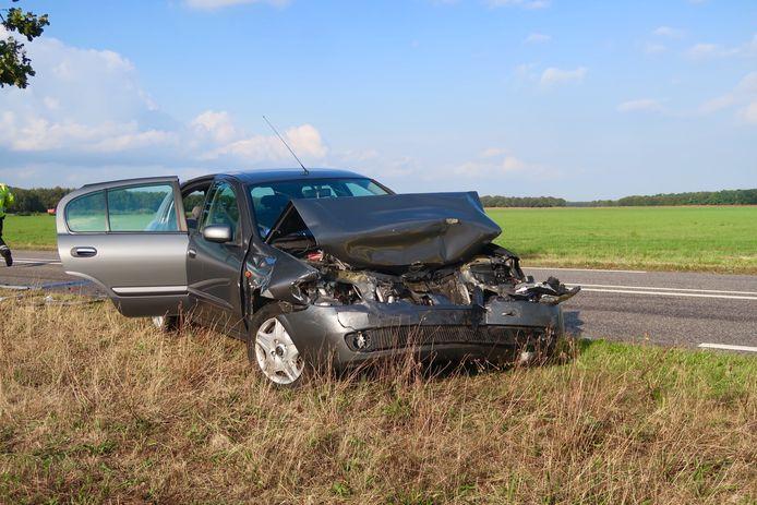 De schade na het ongeluk in Alphen.