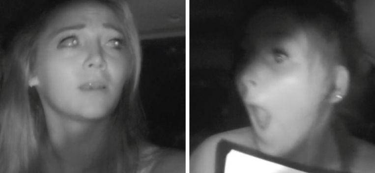 Verleidsters Kimberly en Demi tijdens een undercover missie.