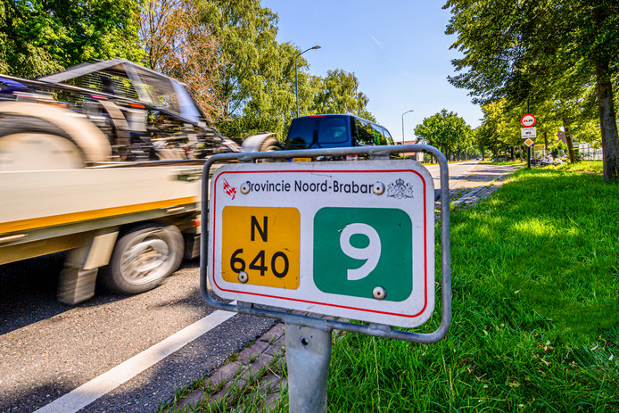 23-07-2019 - Hoeven - Foto: Pix4Profs/Peter Braakmann - De gemeenten Etten-Leur en Halderberge zijn kwaad op de provincie over de N640. Is 80 km, maar gezien de drukte willen die gemeenten 60 km.