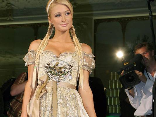 Paris Hilton in dirndl