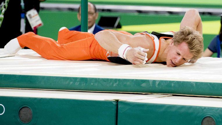 Epke Zonderland valt tijdens de finale rekstok Beeld ANP