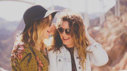 """""""Waarom verandert onze vriendenkring zo in de loop van de jaren?"""" en nog 7 vragen die je je altijd al stelde over vriendschap"""