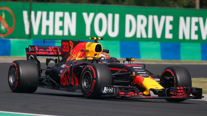 Verstappen zesde bij tweede training, Ricciardo weer de snelste