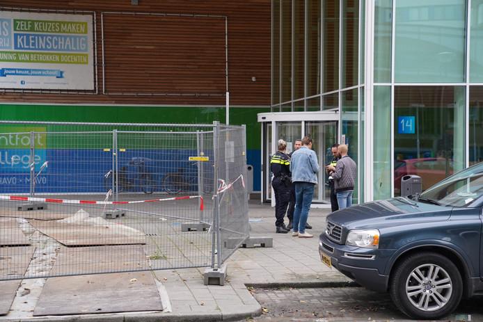 De steekpartijen begonnen halverwege oktober bij de ingang van het Montfort College, nabij Zuidplein.
