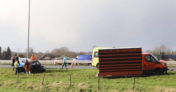 Vrouw gewond na groot ongeluk op A1 bij Apeldoorn: weg weer vrij na gigantische file.