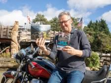 Motorliefhebber Jansen strikt wereldreiziger Van Hooff voor trip naar Ommen