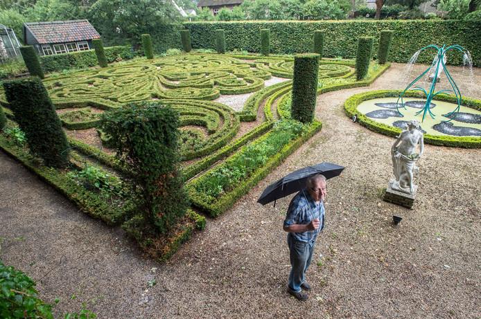 De buxustuin van Landgoed Het Broeck is klaar en is een exacte kopie op schaal van de tuin bij Paleis het Loo.