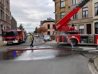 Eén gewonde na uitslaande brand in dakappartement