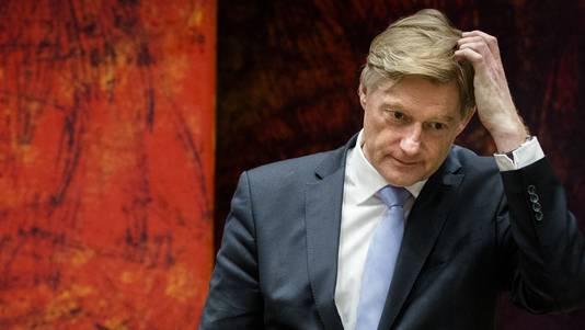 Staatssecretaris Martin van Rijn tijdens een debat over de betalingsproblemen rond het persoonsgebonden budget