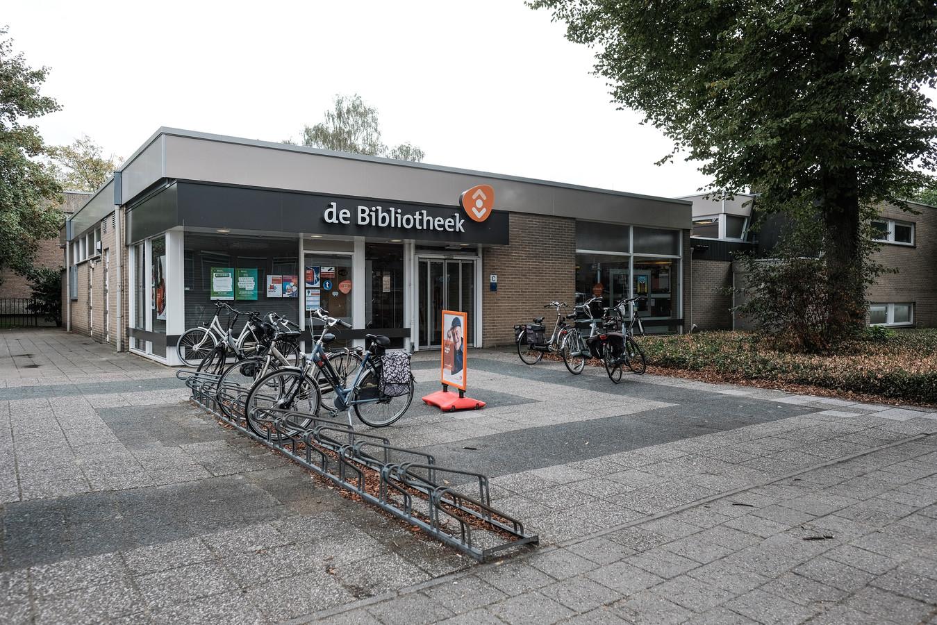 Het huidige onderkomen van de bibliotheek in Didam. Het gebouw wijkt voor de bouw van een supermarkt  en de aanleg van een parkeerplaats in het centrumplan Didam.