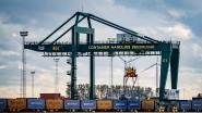 23 transmigranten in Zeebrugge per toeval ontdekt: nog in leven omdat ze op verkeerde vrachtwagen zaten