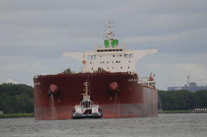 De Pacific South is vanmiddag aangekomen in Amsterdam.