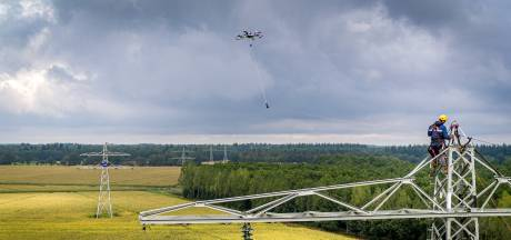 Draden trekken met drone om verspreiden gewasziektes te voorkomen