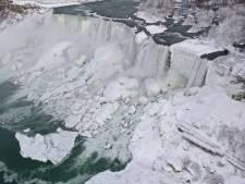 Sprookjesachtige beelden van 'bevroren' Niagara Falls