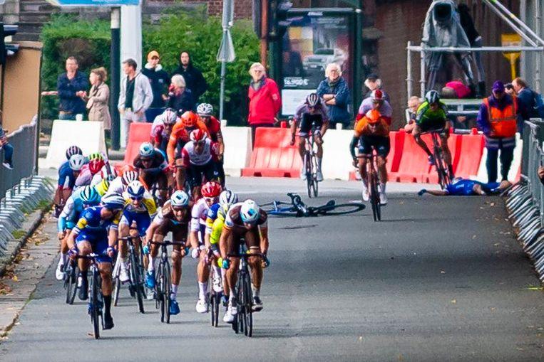 Hodeg kwam ten val in de Tour de l'Eurométropole, die gewonnen werd door Piet Allegaert.