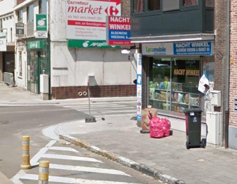 Deze nachtwinkel op de hoek van de Markt en de Legrellestraat in Berlaar werd vannacht overvallen.