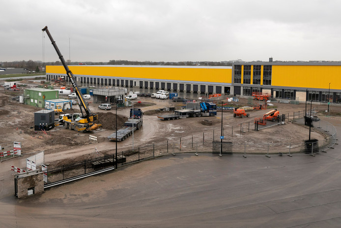 Het bouwterrein van DHL in Zaltbommel.