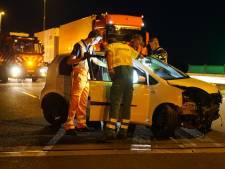 Vrouw gewond na klap tegen betonnen muur langs A1 bij Wilp