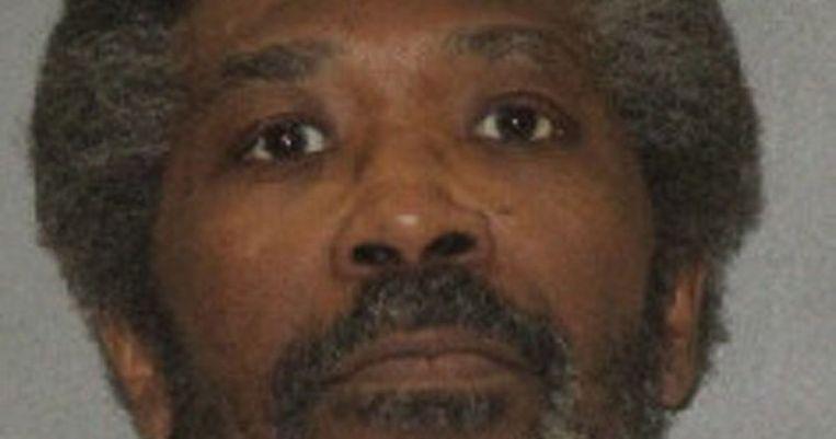 Een dodelijke injectie werd Robert Mitchell Jennings (61) gisterenavond fataal in een gevangenis in Texas.