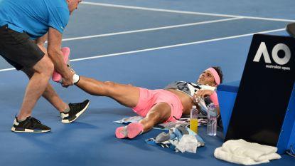 """Nadal moet na partij van bijna vier uur de strijd staken met nieuwe blessure en klaagt over """"hele harde ondergronden"""""""