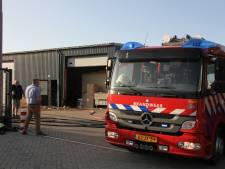 Brand bij bedrijfsverzamelgebouw naast brandweerkazerne in Enter