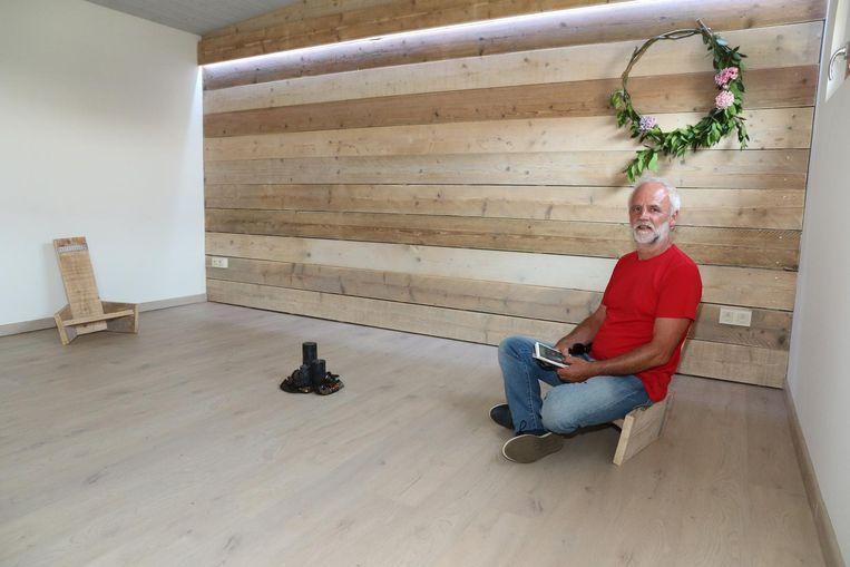Marc Heyman in de stilteruimte van zijn vakantiehuis.
