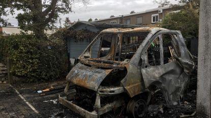 Mobilhome brandt uit in tuin