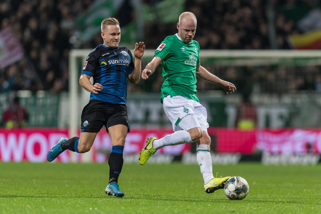 Davy Klaassen in duel met Kai Pröger.