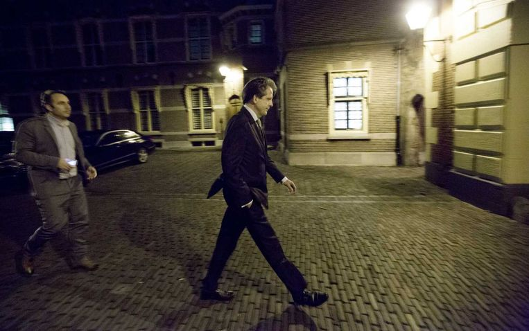 D66-fractievoorzitter Alexander Pechtold verlaat het Torentje na overleg met de coalitie. Beeld anp