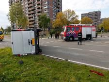 Man en kind gewond bij ongeluk op John F. Kennedylaan in Eindhoven