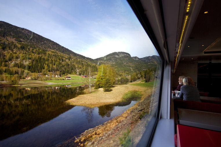 Geniet van het uitzicht en maak kennis met de geneugten van slow travel. Beeld Sander Groen