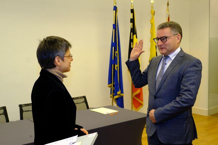Koen Van den Heuvel legt eed af als burgemeester nieuwe